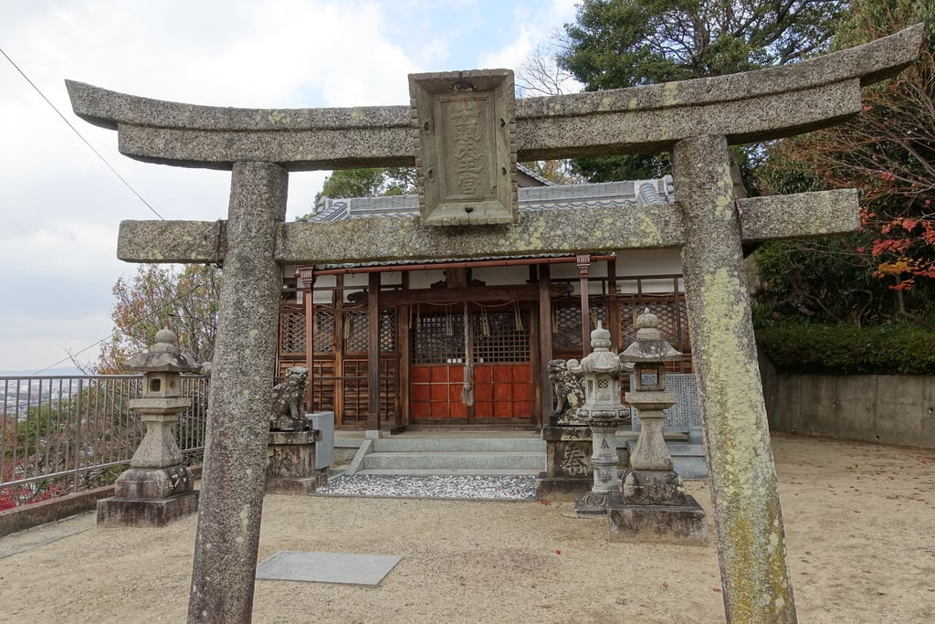 慈眼寺の鳥居