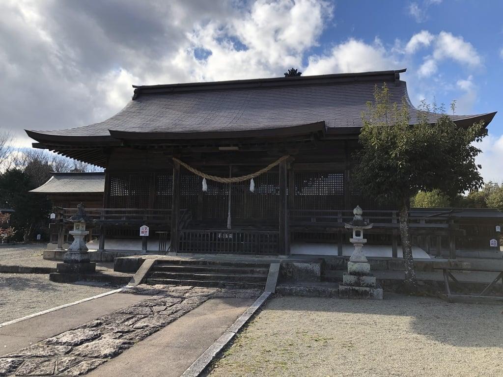 美作総社宮の本殿