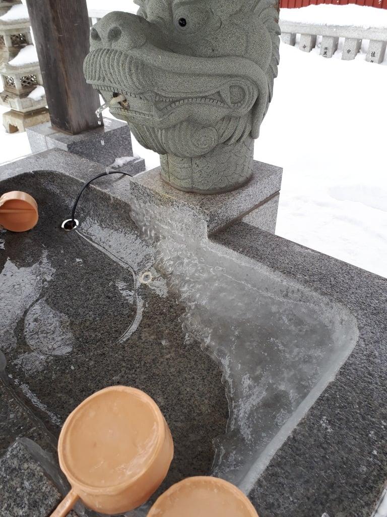 新川皇大神社の手水