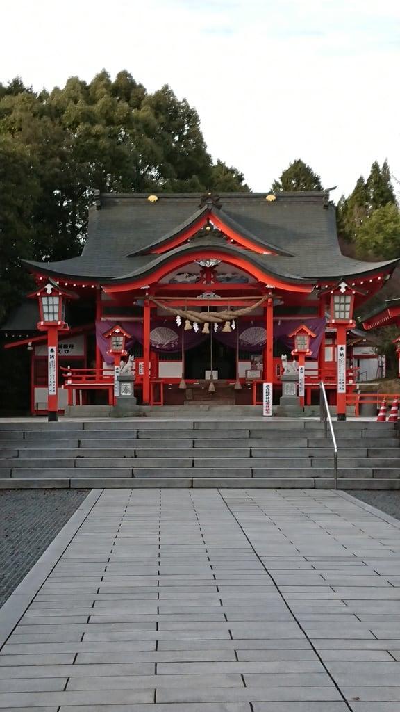 扇森稲荷神社の本殿・本堂(大分県玉来駅)