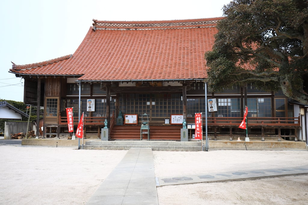 薬師寺の本殿・本堂(島根県西出雲駅)