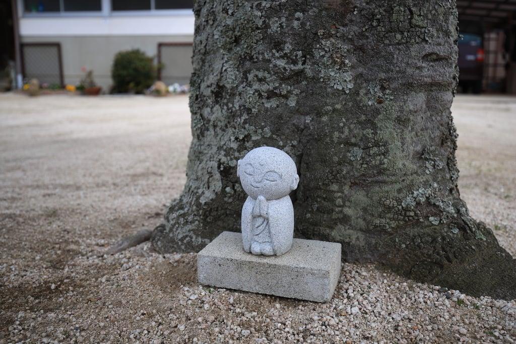 薬師寺の地蔵(島根県西出雲駅)