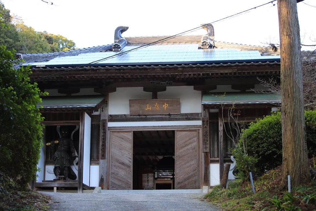 峯寺の本殿