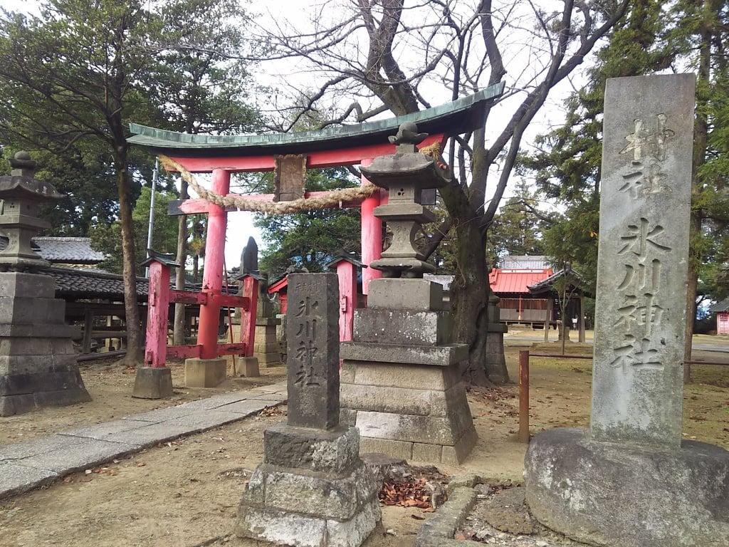 二ツ宮氷川神社の境内・文化財