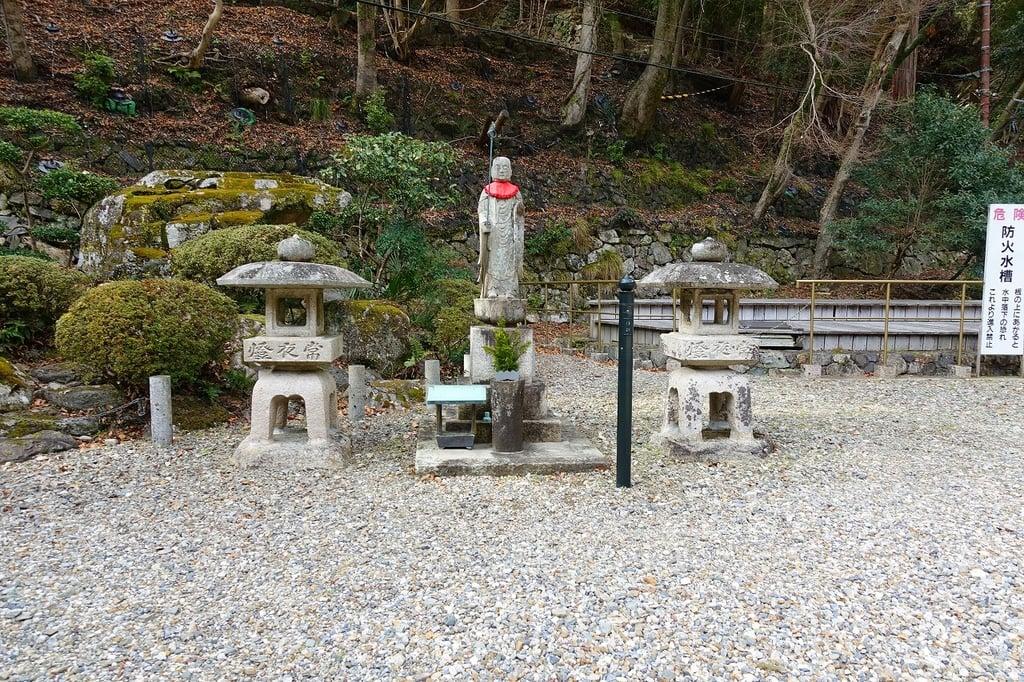 瀧安寺の地蔵