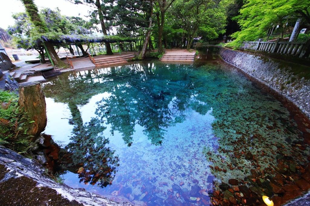 厳島神社の庭園(山口県美祢駅)