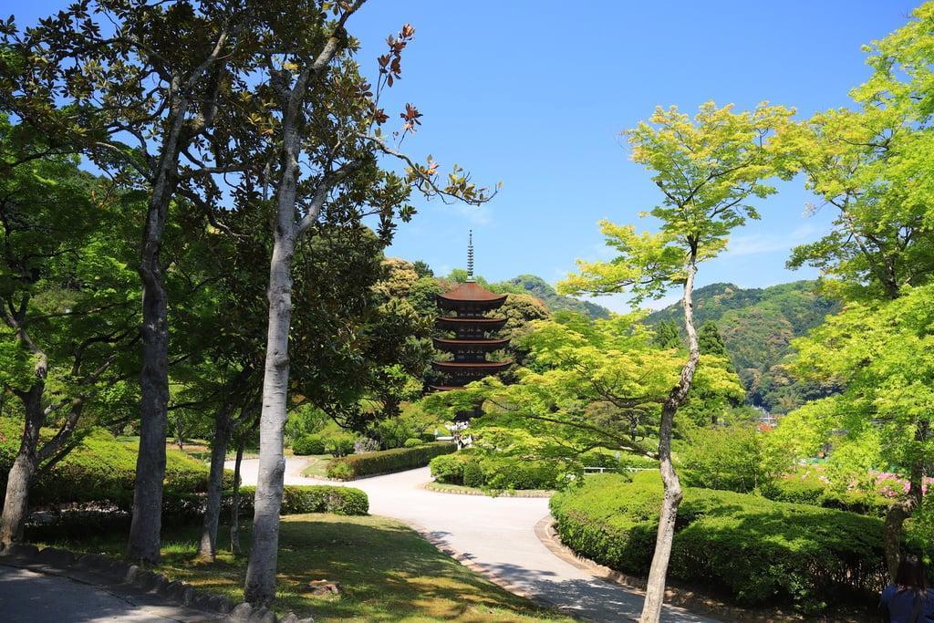瑠璃光寺の庭園(山口県上山口駅)