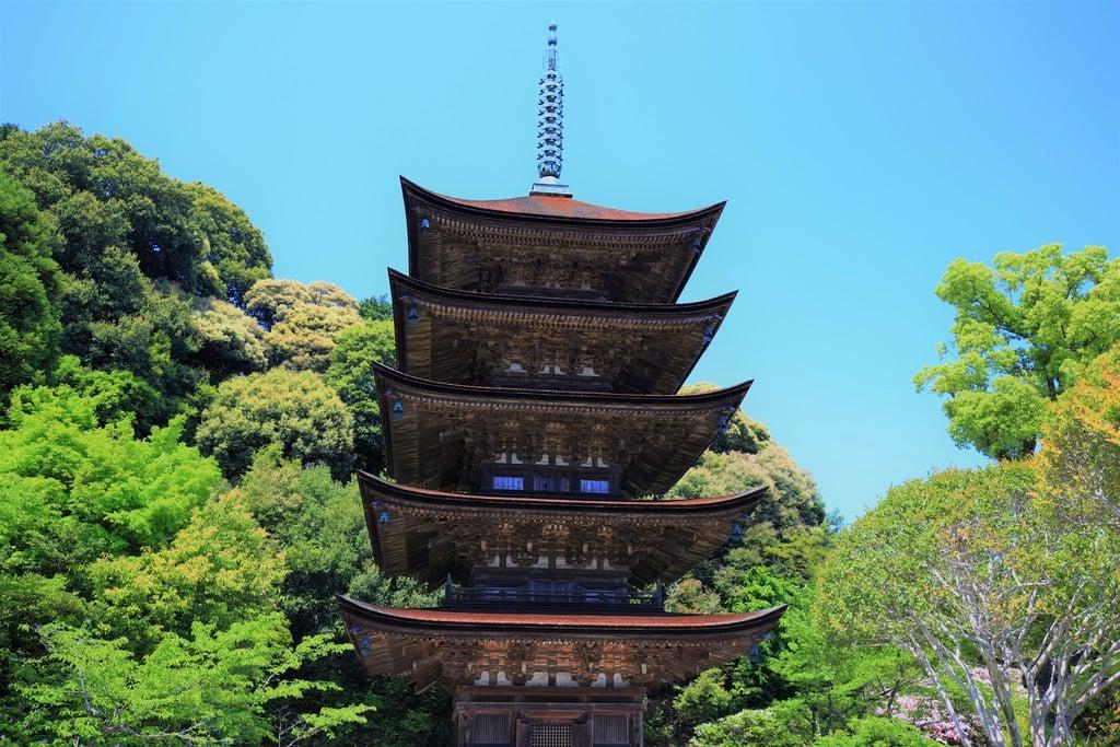 瑠璃光寺の塔(山口県上山口駅)