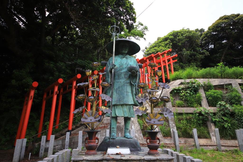 多陀寺の像(島根県下府駅)