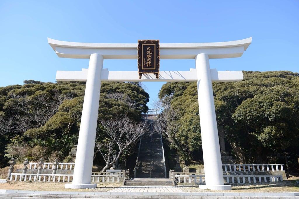大洗磯前神社の鳥居(茨城県大洗駅)