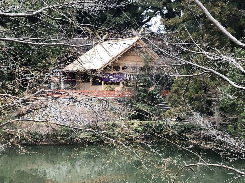 高鴨神社の庭園(奈良県北宇智駅)
