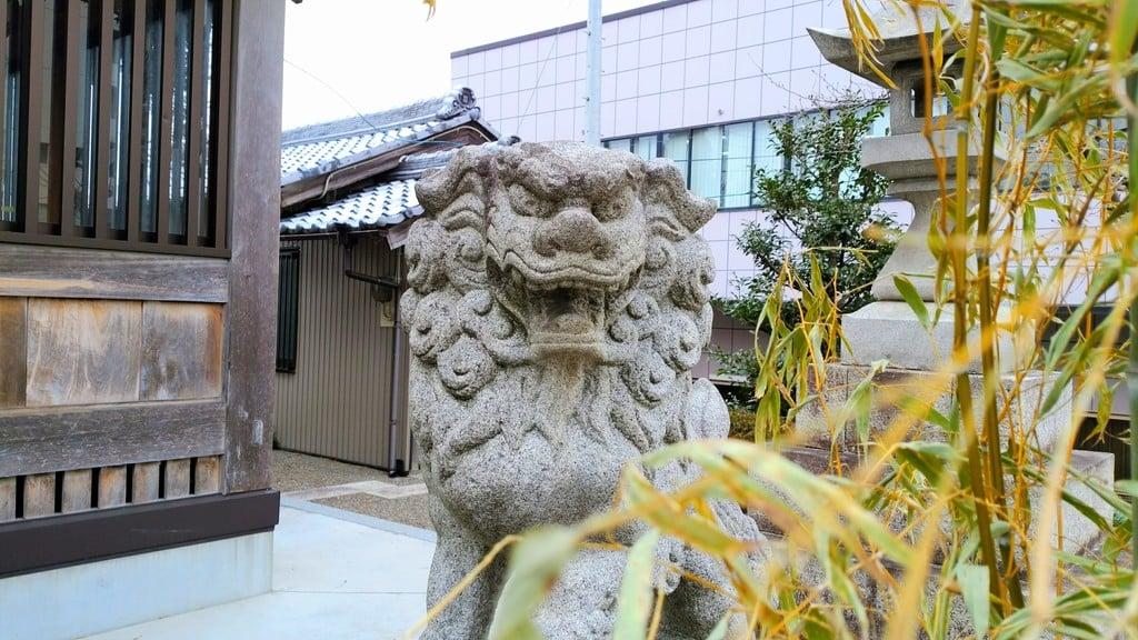 薮田神社の狛犬