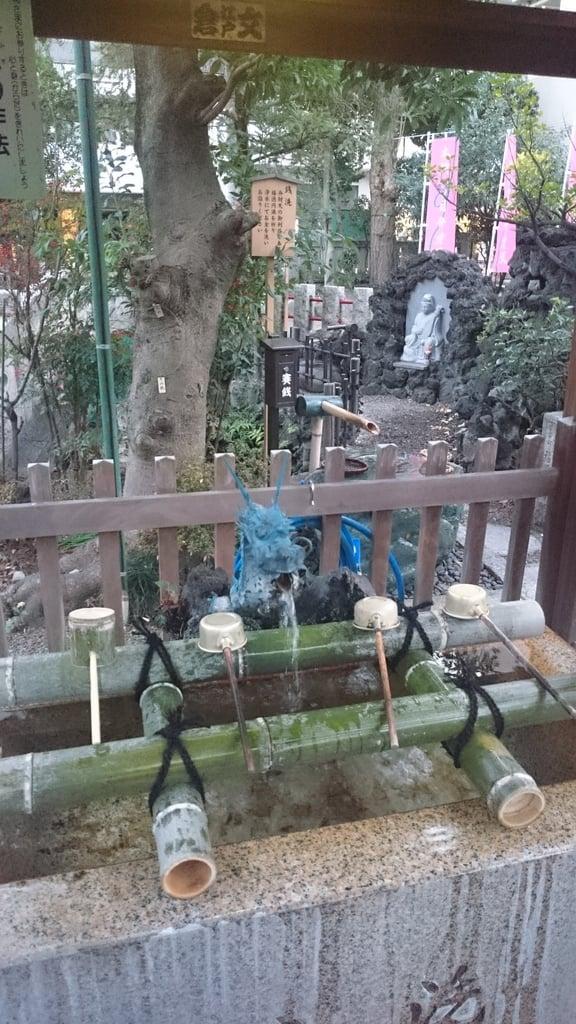 江島杉山神社の手水