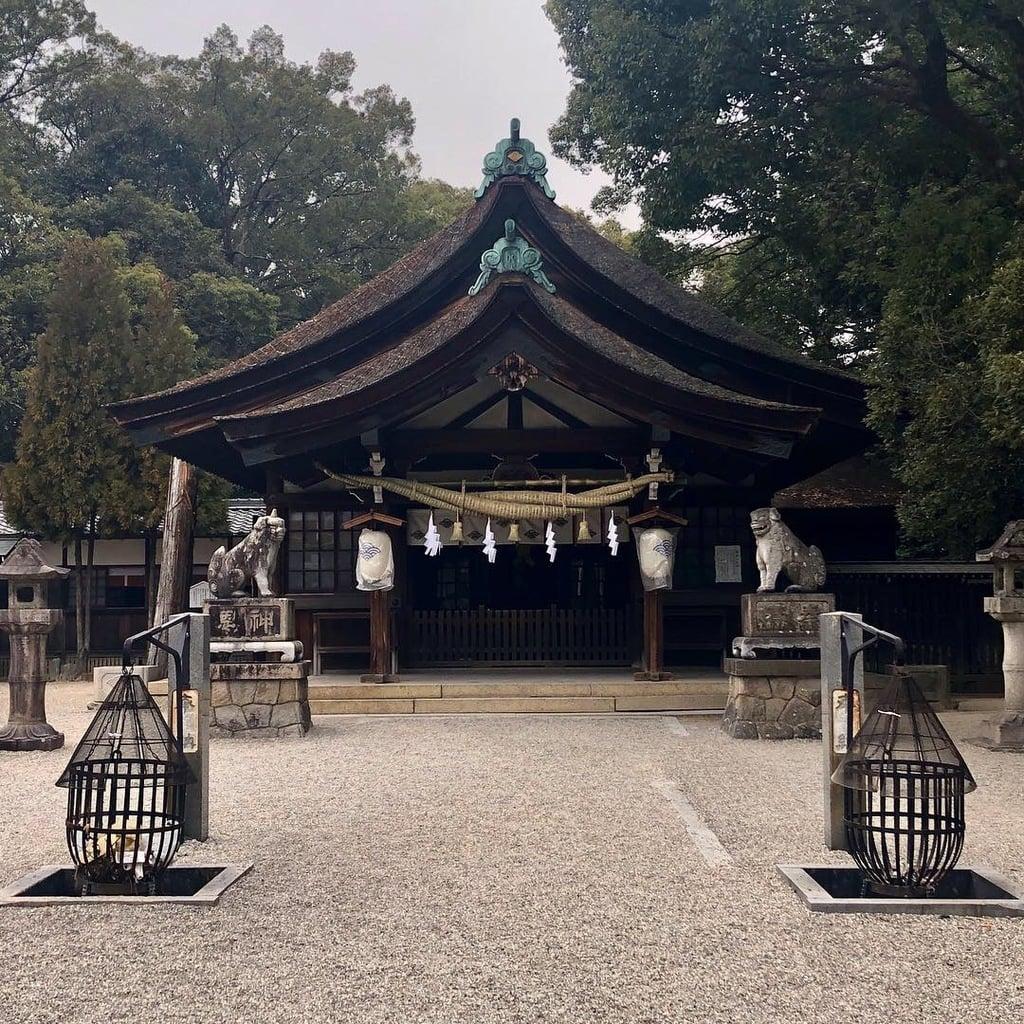 知立神社の本殿