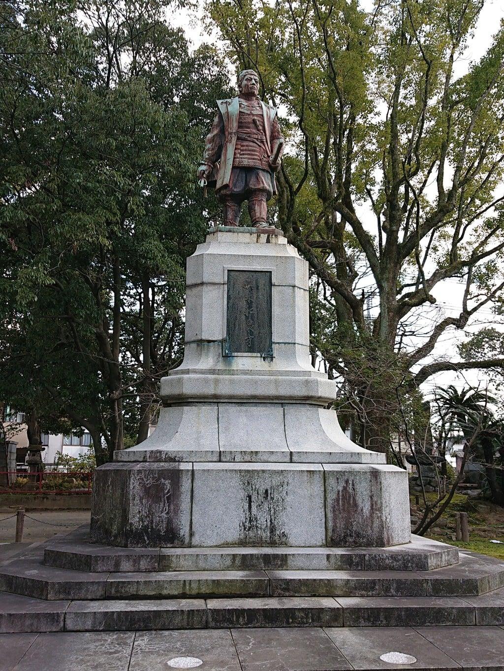 水天宮の像