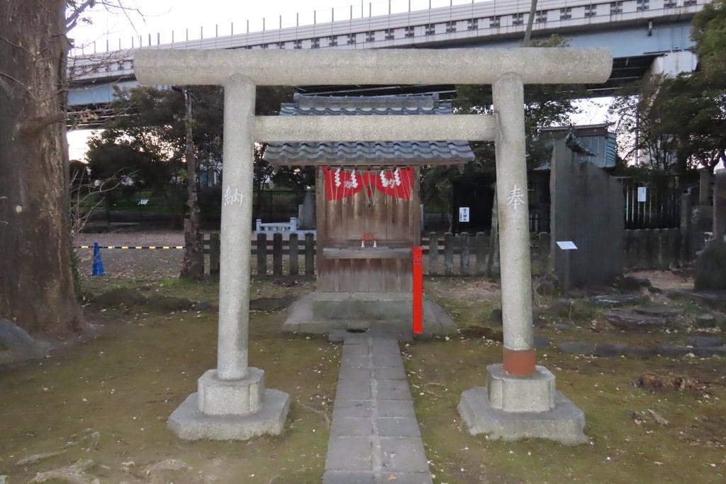 三囲神社(三越神社)の末社