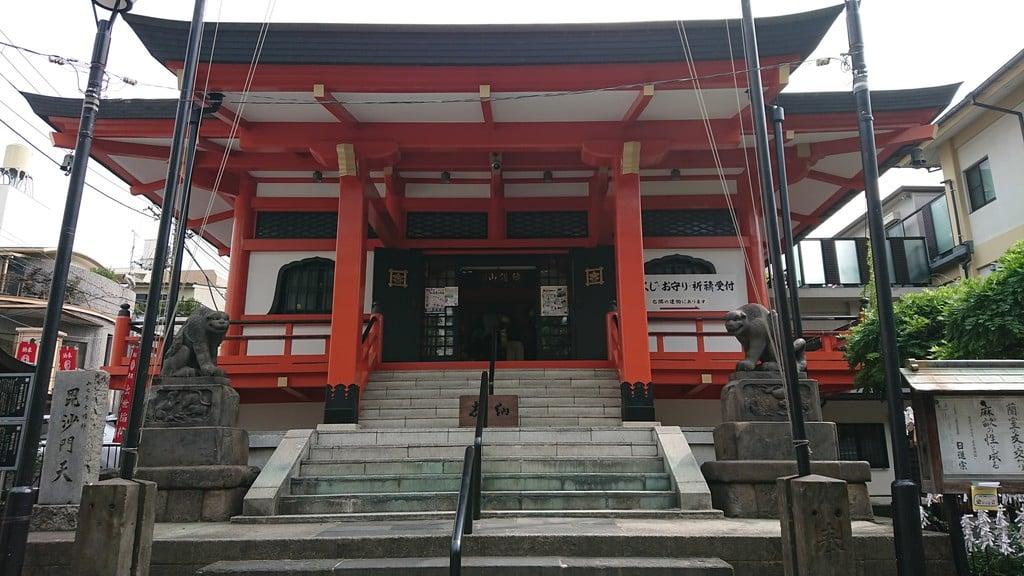 善國寺の本殿(東京都牛込神楽坂駅)