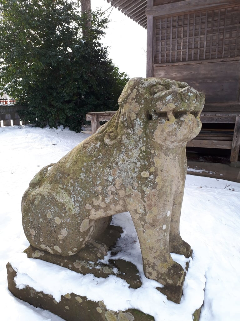 於呂閇志胆澤川神社の狛犬