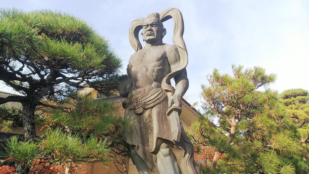 松林寺の像