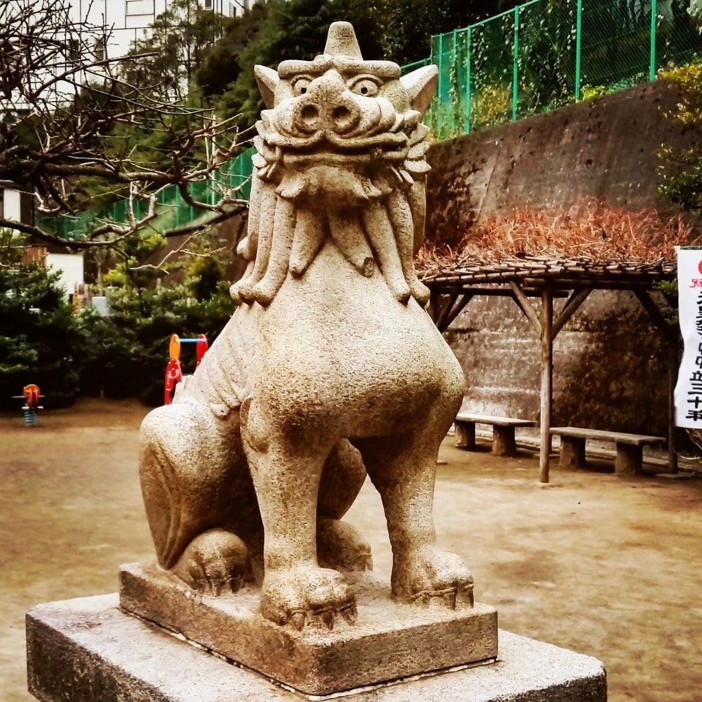 久国神社の狛犬(東京都六本木一丁目駅)