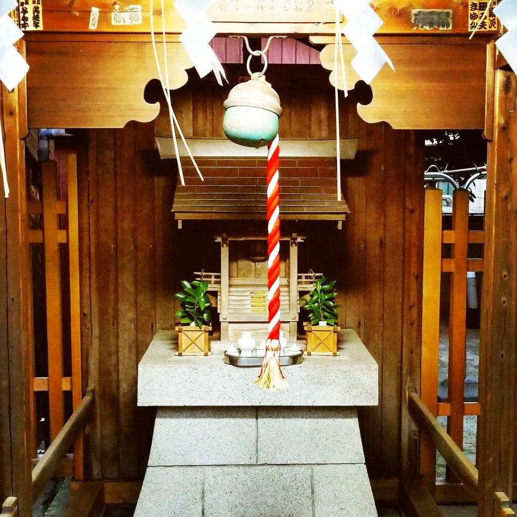 久国神社の末社・摂社(東京都六本木一丁目駅)