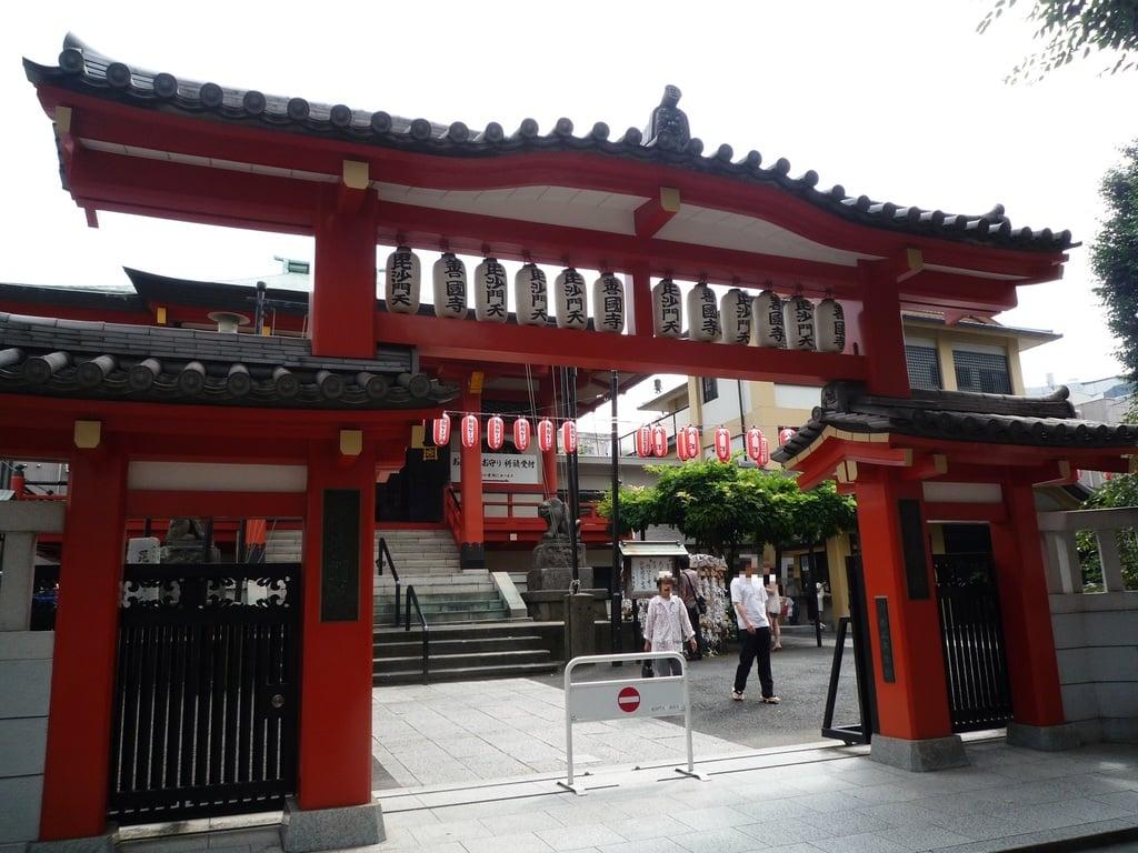 善國寺の山門