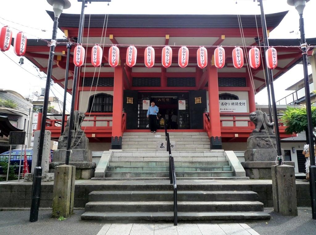 善國寺の本殿・本堂(東京都牛込神楽坂駅)