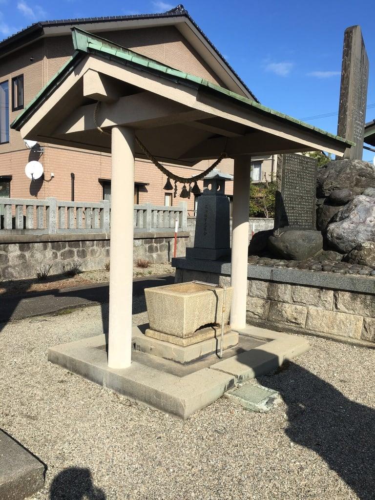 萩浦神社の手水