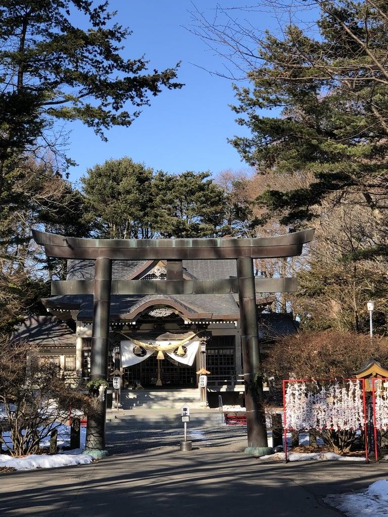 靜内神社の鳥居