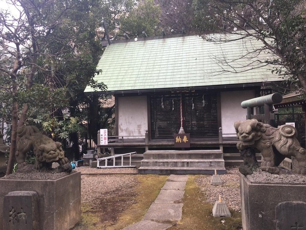 國府神社の本殿