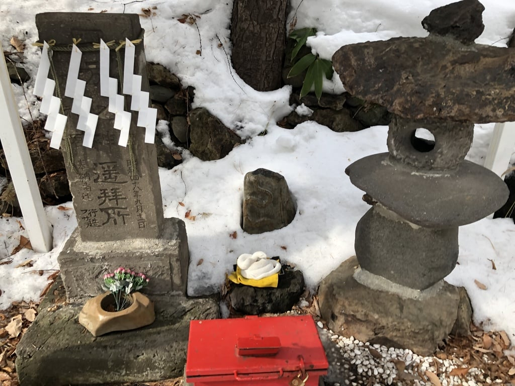 白石神社の像