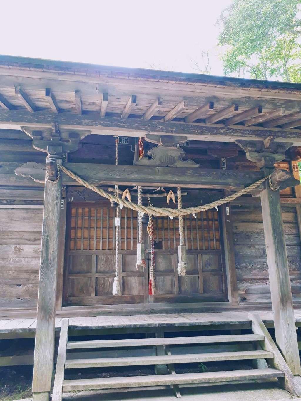 七滝神社の本殿