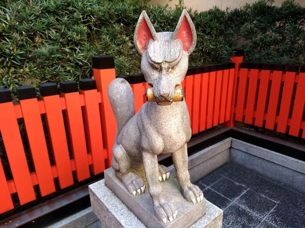 稲荷大明神の狛犬
