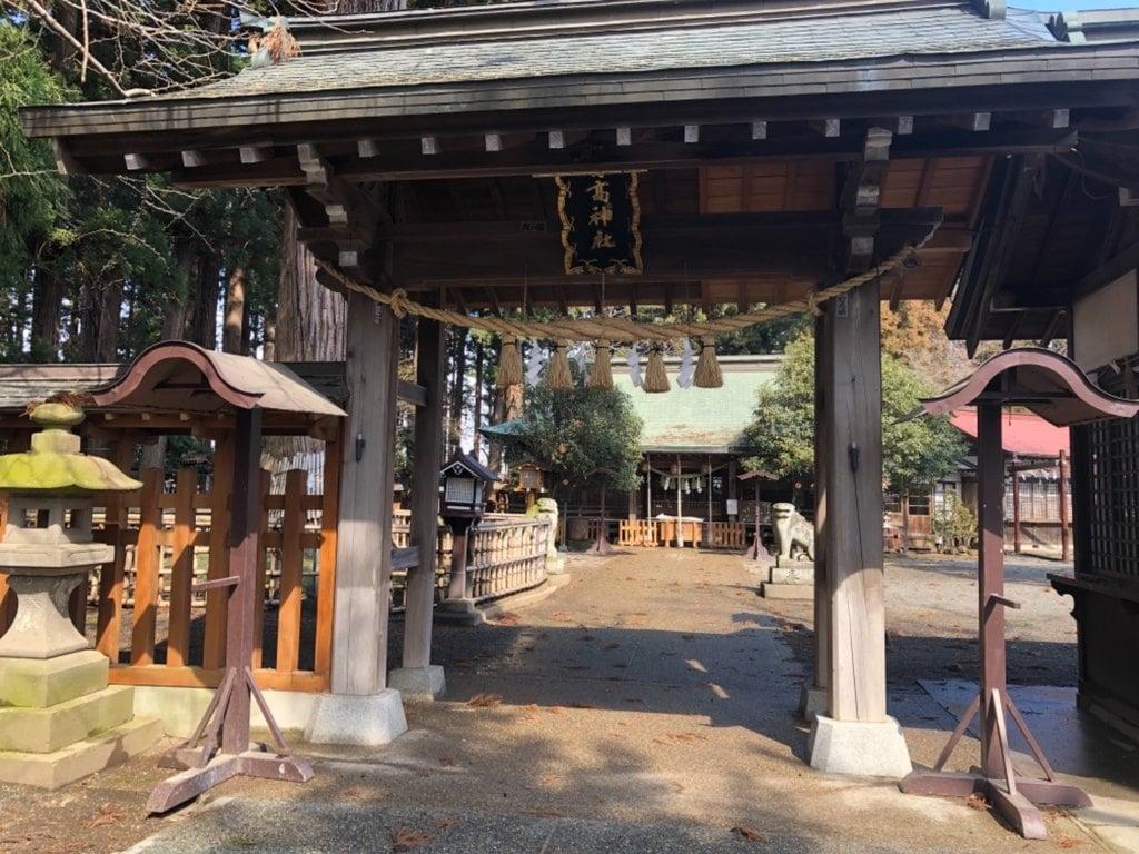 日高神社の山門