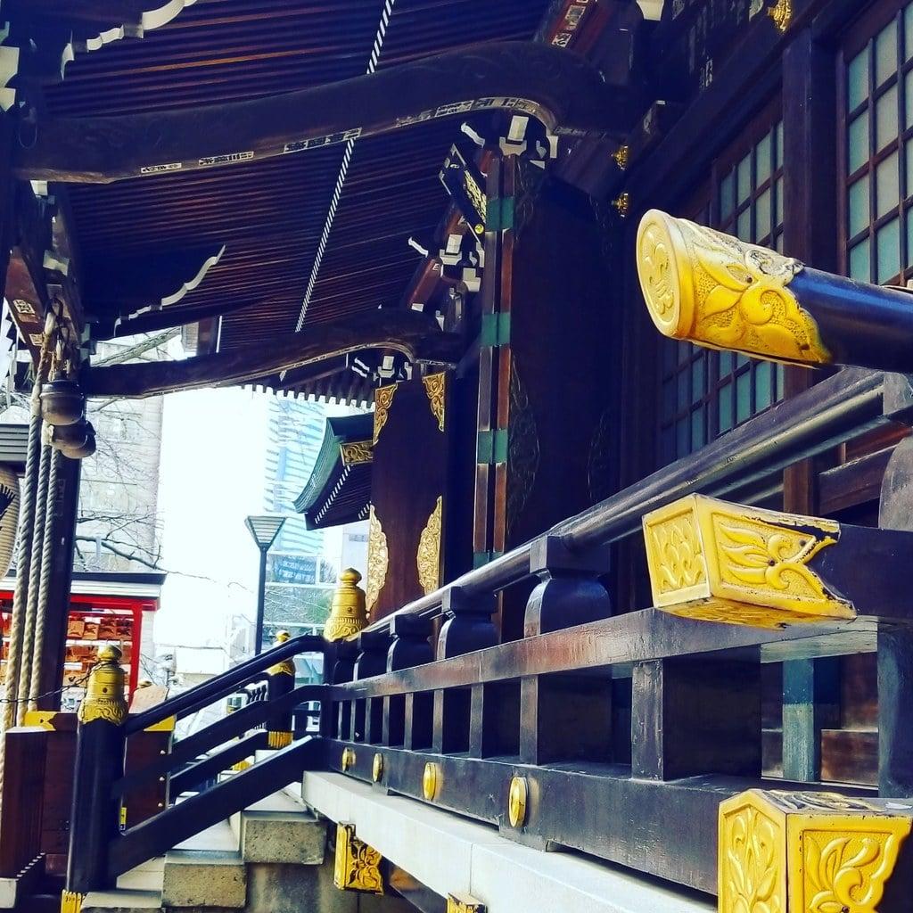 熊野神社の本殿・本堂(東京都西新宿五丁目駅)