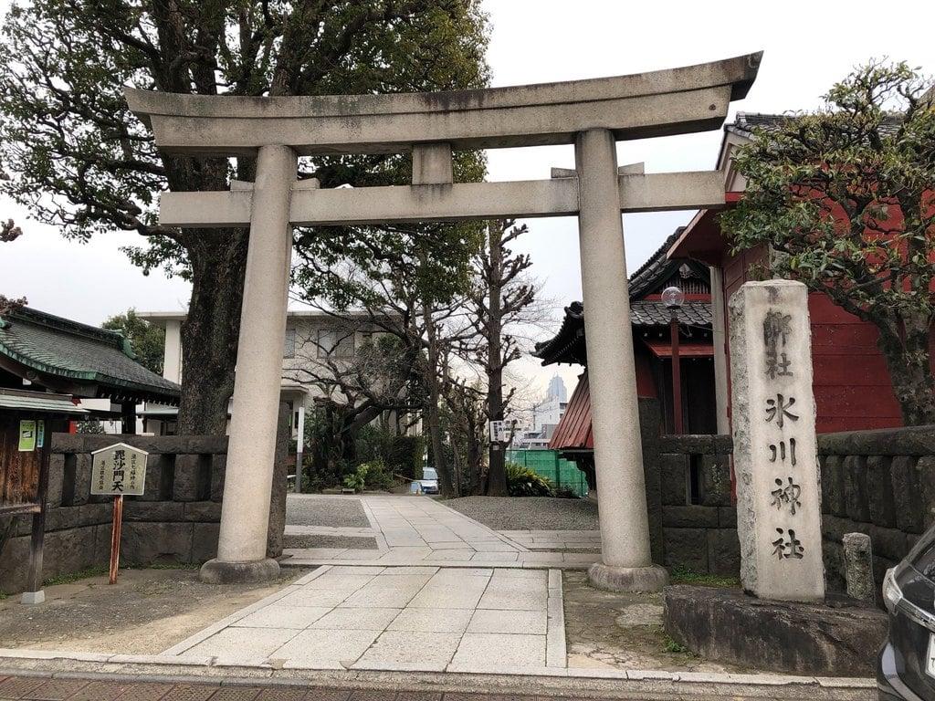 麻布氷川神社の鳥居