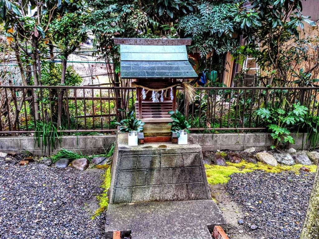 林稲荷神社の末社(岐阜県田神駅)