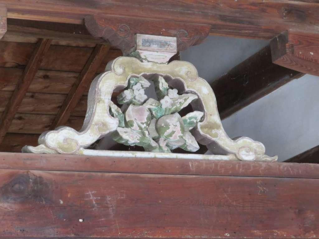 山梨岡神社の芸術