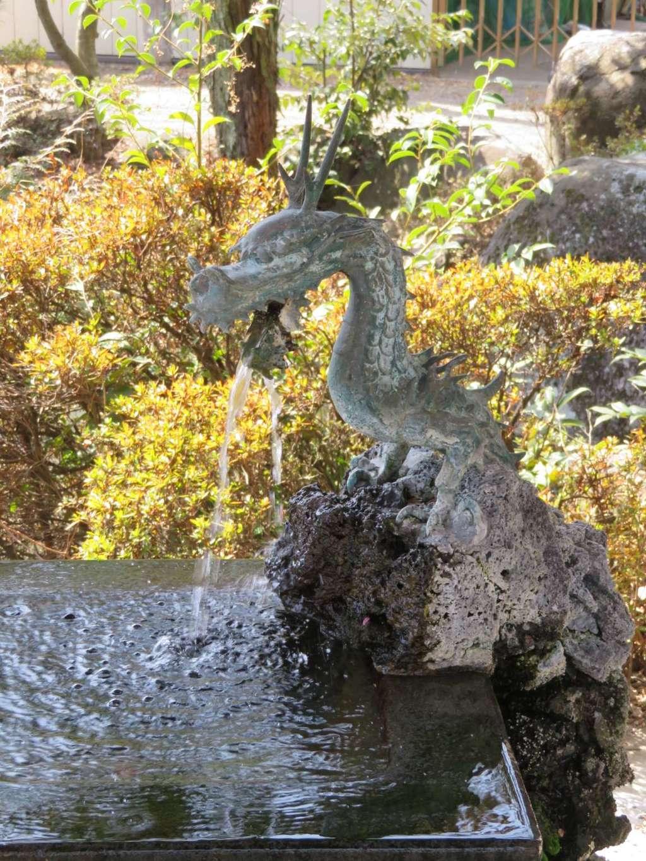 山梨岡神社の手水