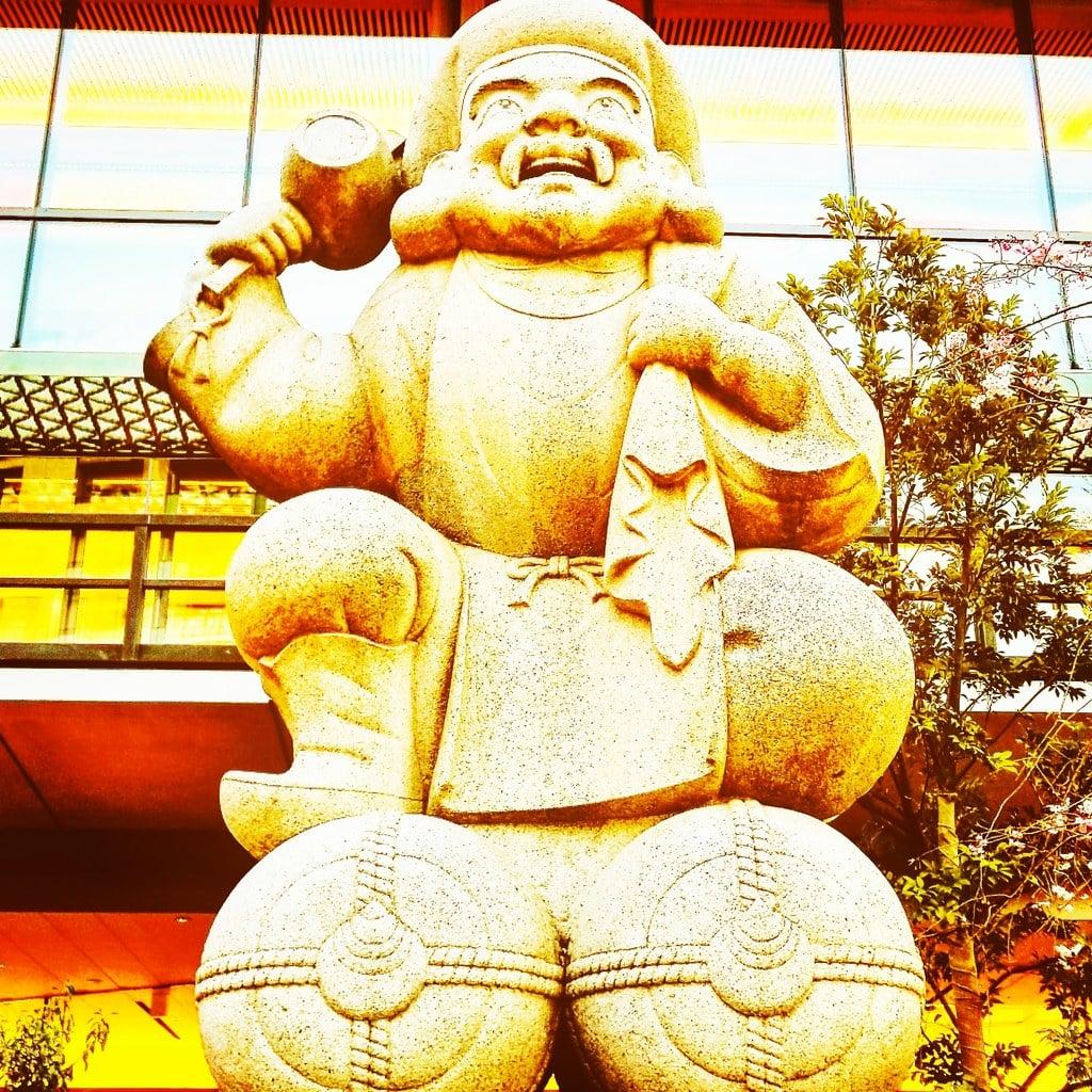 神田神社(神田明神)の像(東京都末広町駅)