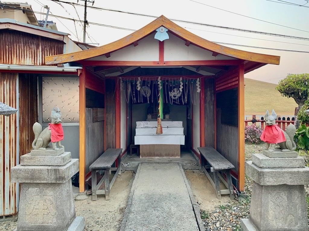 岩本稲荷大神の本殿