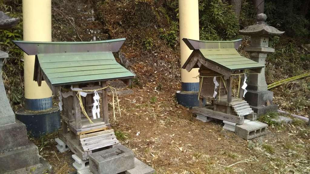 愛宕神社の末社(茨城県中舟生駅)