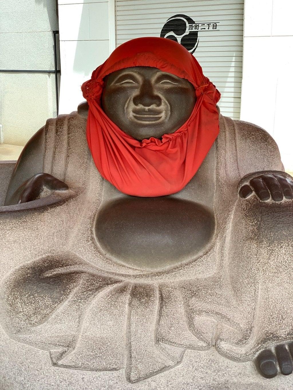 穴八幡宮の像