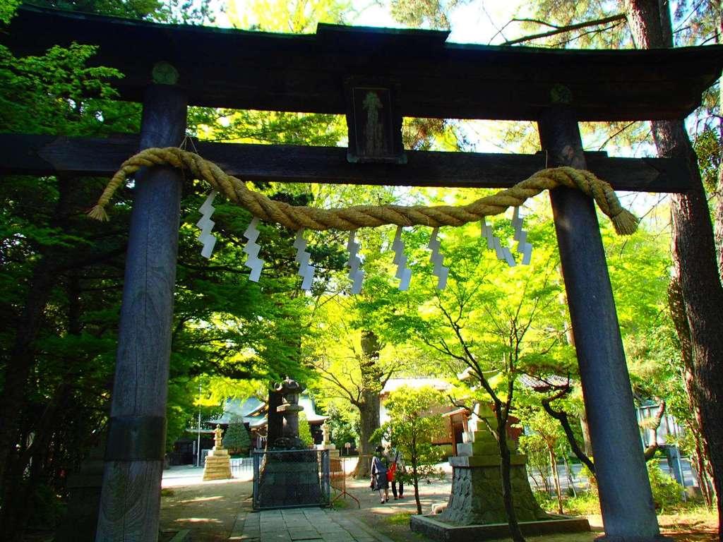 春日部八幡神社の鳥居