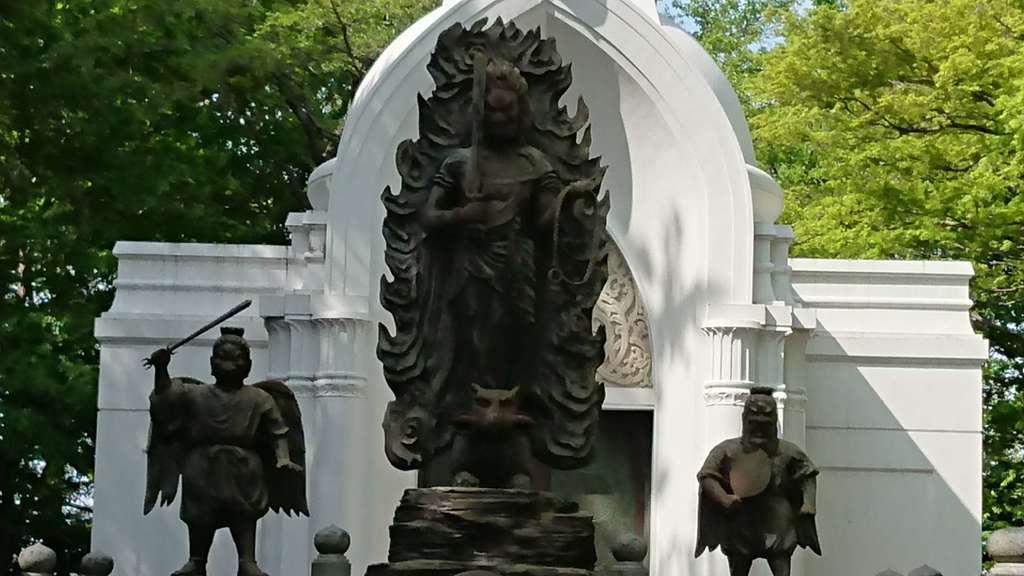 高尾山薬王院の仏像