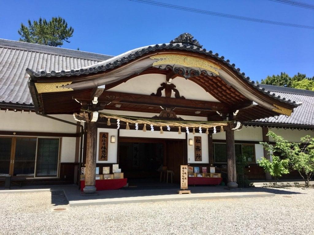 市原稲荷神社の建物その他