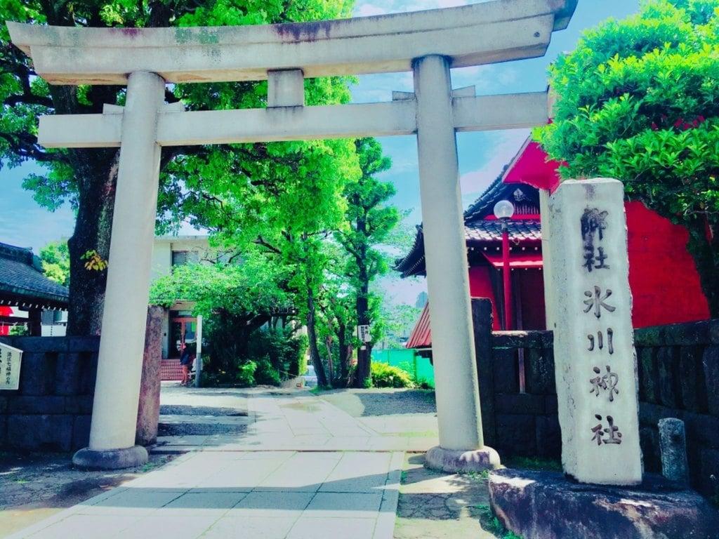 麻布氷川神社の鳥居(東京都麻布十番駅)