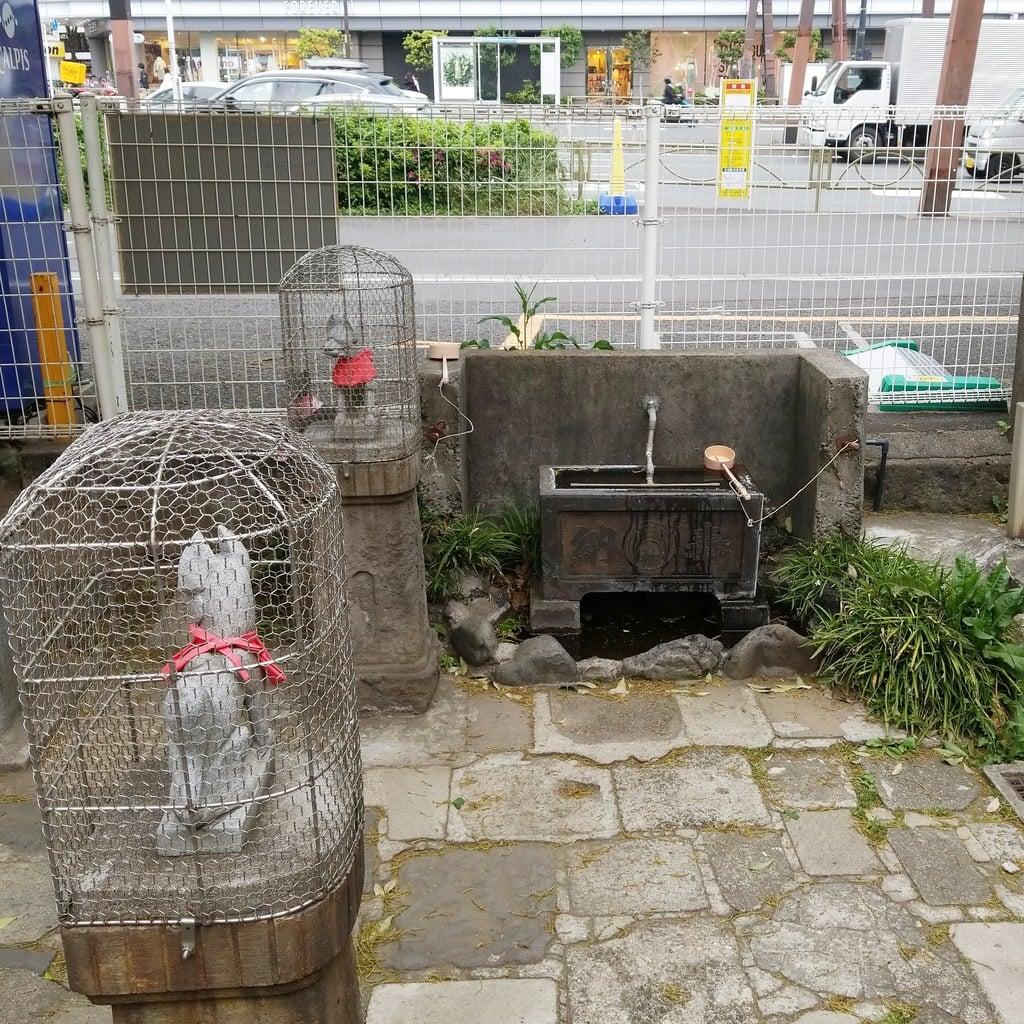 雷電稲荷神社の建物その他