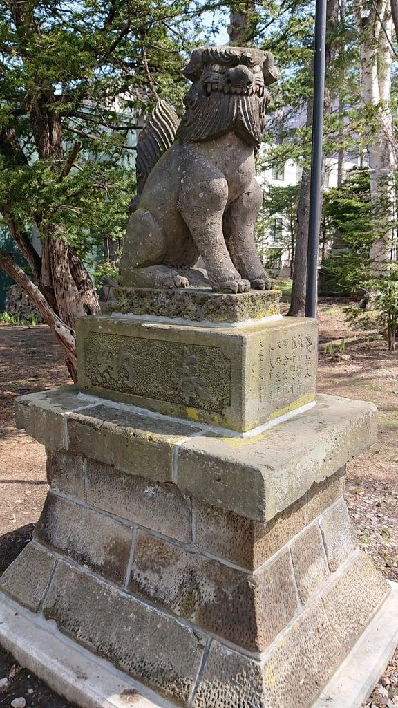 信濃神社の狛犬