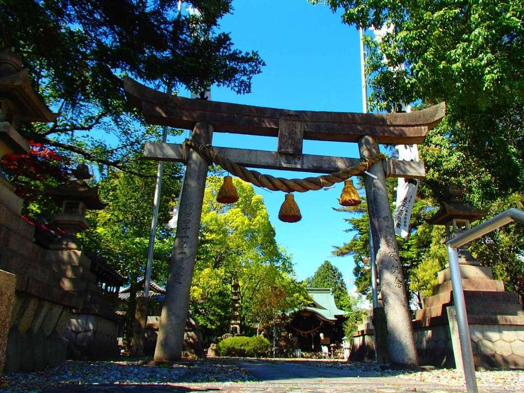 本土神社の鳥居